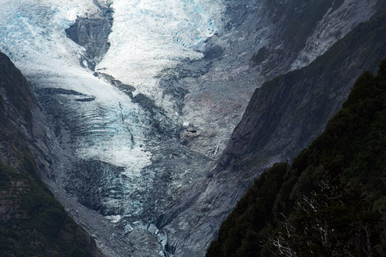 franz-joseph-glacier-new-zealand-helicopter-scale-ice-winter_-3