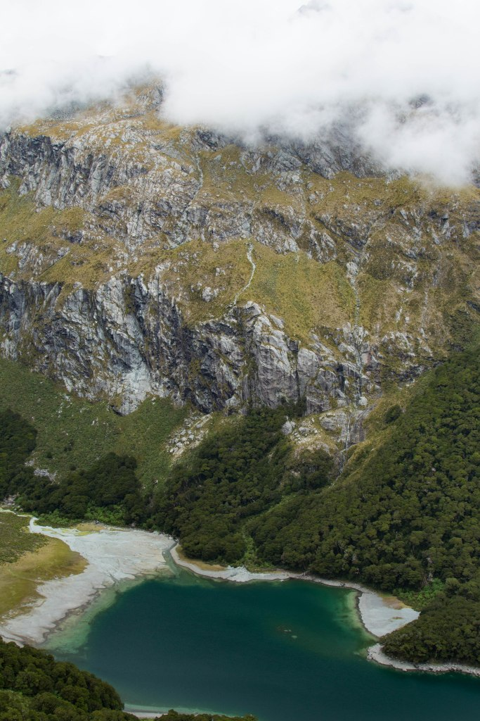 routeburn-track-nature-new-zealand-lake-macenzie-_-3