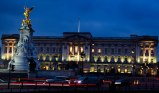london-town-buckingham-palace-buildings