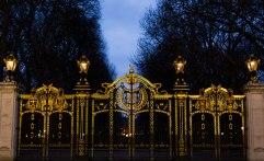 london-town-golden-gates-tourist-buildings-2