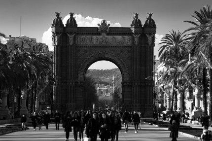 Barcelona-arc-streets