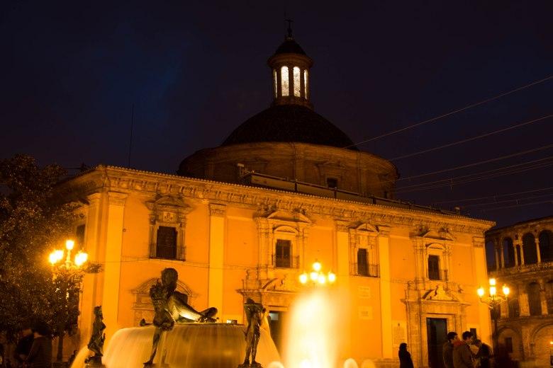 Spanish-plaza-Valencia-neptune