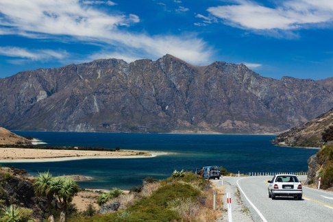 Haast-Pass-New-Zealand-adventure-Lake-Hawea-lakehawea