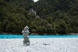 Haast-Pass-New-Zealand-adventure-hiking-stone-sculpture