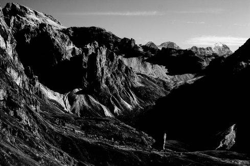 mountains-tyrol-dolomites-hiking-blackandwhite