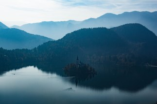 Slovenia-rivers-mountains-autumn-bled-triglav
